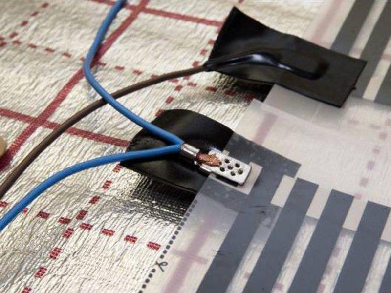 Подсоединение кабеля – важнейший этап монтажа пленки