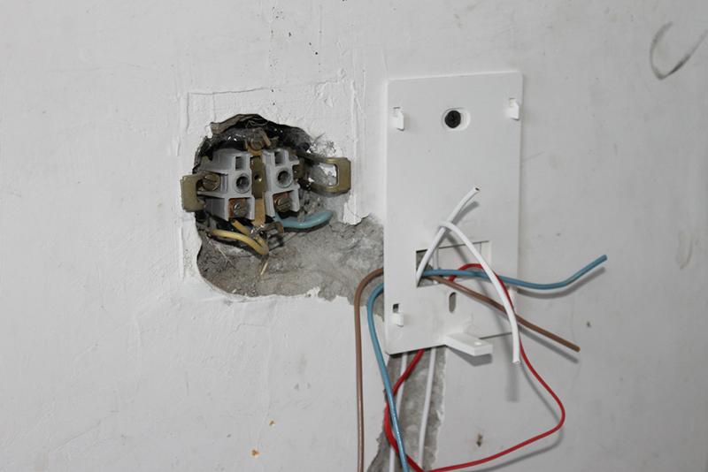 Подключить теплый пол к электричеству не так сложно, как может показаться