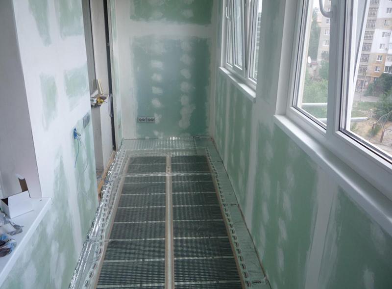 Электрический пол стоит устанавливать только на хорошо утепленный балкон